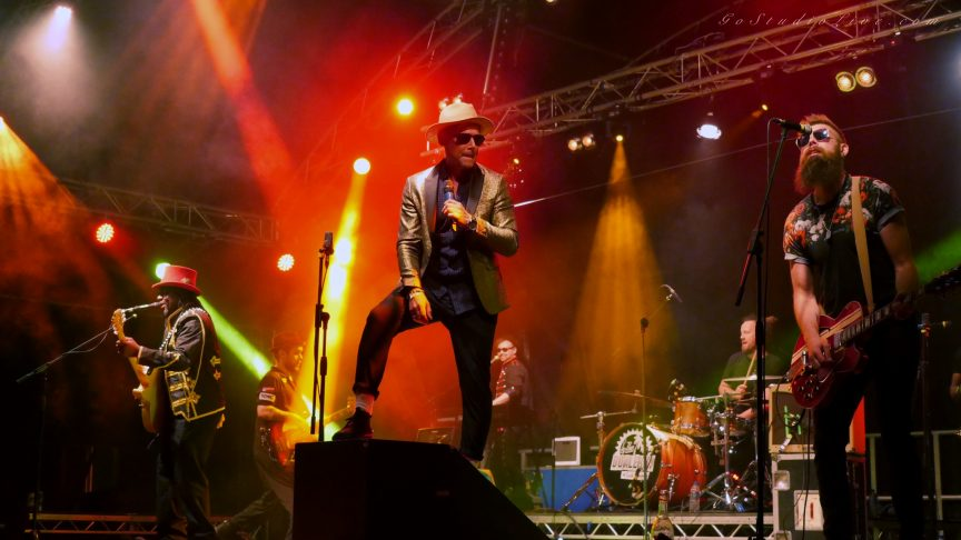 Castle Rock Wales The Dualers